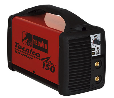 Купив инвертор на 1.5-2 киловатта и положив его в багажник вашей машины, вы всегда можете подключить любые электроприборы потребляющие данную мощность